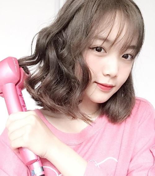 Một kiểu tóc mái thưa nữa sẽ khiến bạn trở thành nữ thần