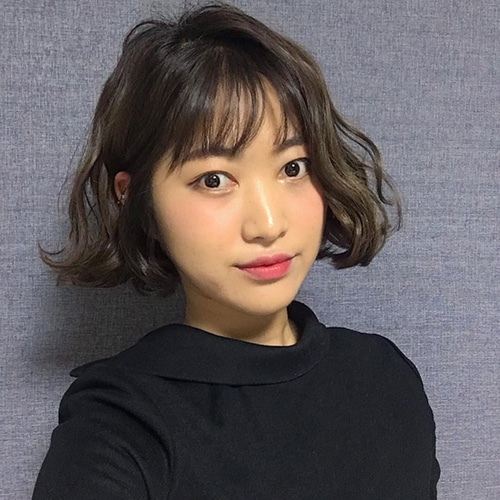 Tóc lob mái thưa Hàn Quốc chắc chắn không còn xa lạ đối với nhiều cô gái