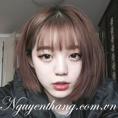 Tóc uốn cụp mái thưa là kiểu tóc đặc biệt giúp hội con gái ăn gian cả chục tuổi
