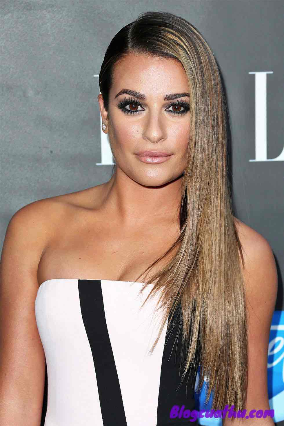 Kiểu tóc thẳng Lea Michele's Smoothed-Back Side Part