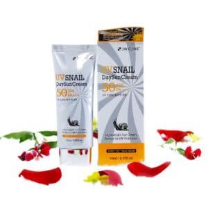 Kem chống nắng 3w Clinic UV Snail Daysun Cream SPF 50+ PA+++ chiết xuất từ dịch nhầy ốc sên